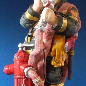 Profisti – Brandweerman Hoogte 33cm.Staand